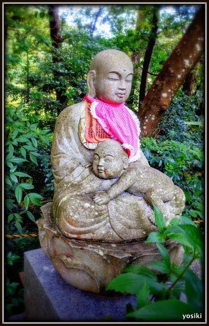 A mizuko jizo statue
